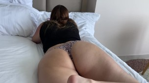 I fucked my milf step mom while dad is away